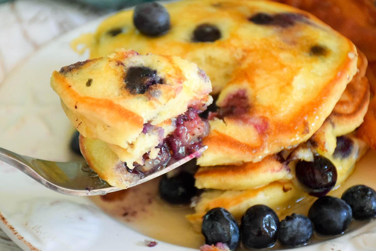 Fluffy Blueberry Lemon Pancakes