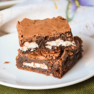 Peppermint Surprise Brownie Bites