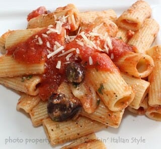 Puttanesca Sauce with Rigatoni Pasta ala What's Cookin' Italian Style!