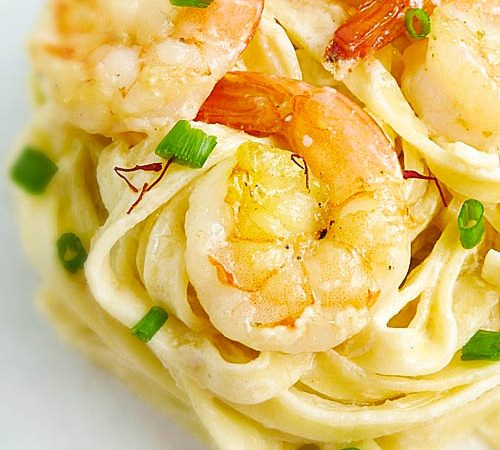 Linguini with Shrimp in Saffron Cream Sauce