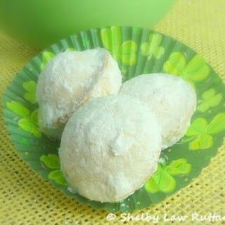 Powdered Sugar Doughnut Muffins – Gluten Free