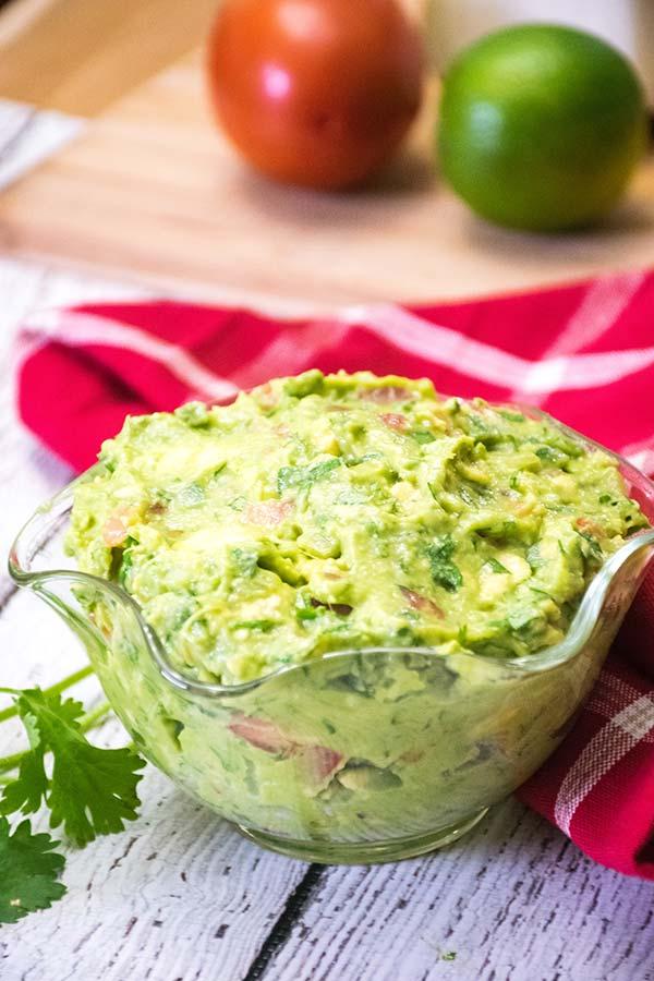 Homemade Guacamole Recipe in a glass bowl
