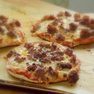 Easy Sausage Pizza (Johnsonville Sausages)