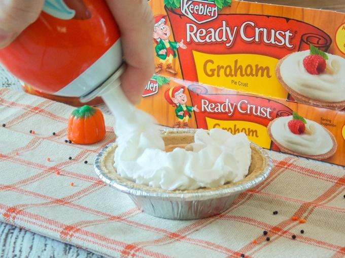Mini Pumpkin Toffee Cream Pie
