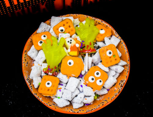 Halloween Monster Snack Mix #HalloweenTreatsWeek
