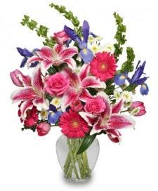 Floral arrangement by Albany florist Surroundings Floral Studio